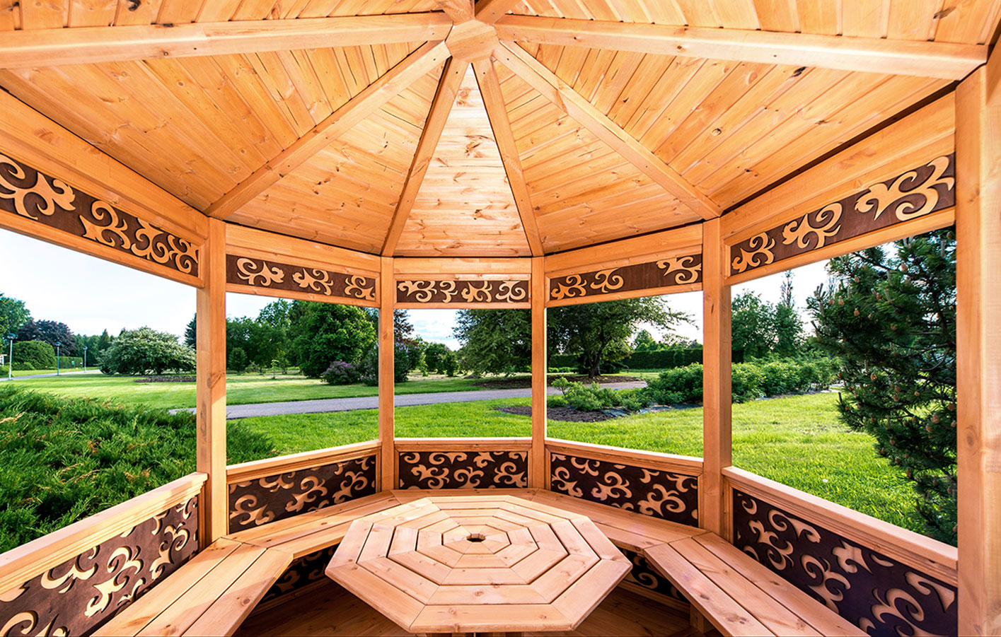 pavillon aus holz interesting pavillon mit walmdach with. Black Bedroom Furniture Sets. Home Design Ideas